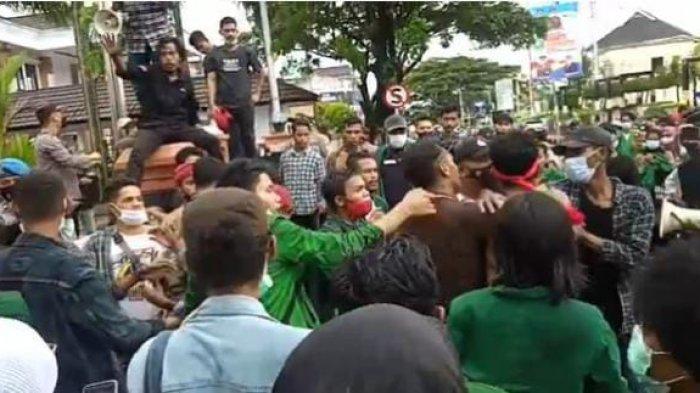 Sempat Terjadi Ricuh Saat Remaja Masjid IAIN Demo Tolak PPKM di Ambon