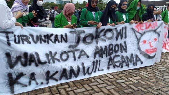 Tak Mengantongi Izin, Demo Tolak PPKM di Ambon Dibubarkan Aparat Kepolisian