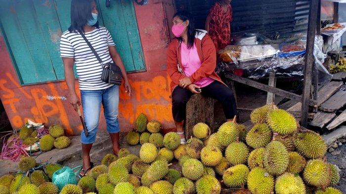 Imbas PPKM Mikro, Penjual Durian di Ambon Terpaksa Mematok Harga Tinggi Hingga Rp 50 Ribu Per Buah
