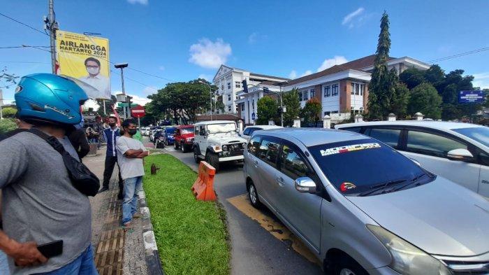 Demo Tolak PPKM di Ambon Ricuh, Kemacetan Panjang Tidak Terhindarkan di Kawasan Pos Kota