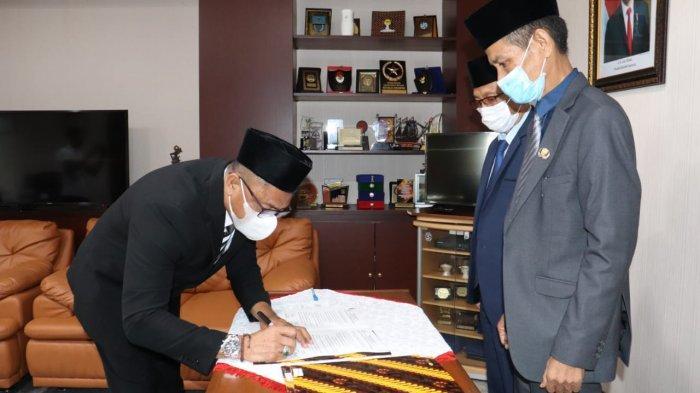 Gubernur Maluku Murad Ismail Tetapkan M Djumpa Jadi Plh Bupati Aru, Syarif Makmur di Seram Timur