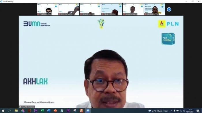 MALUKU: General Manager PLN UIW MMU, Adams Yogasara saat rapat kesiapan pengamanan Sistem Kelistrikan Idul Adha secara daring, Senin (19/7/2021).
