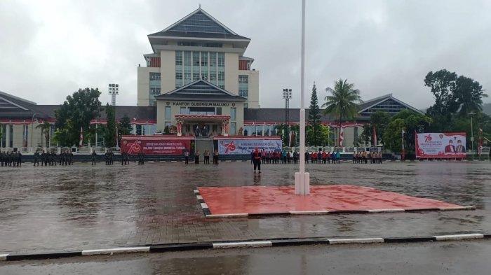 Diguyur Hujan Deras, Upacara Peringatan HUT Provinsi Maluku ke-76 Berjalan Lancar