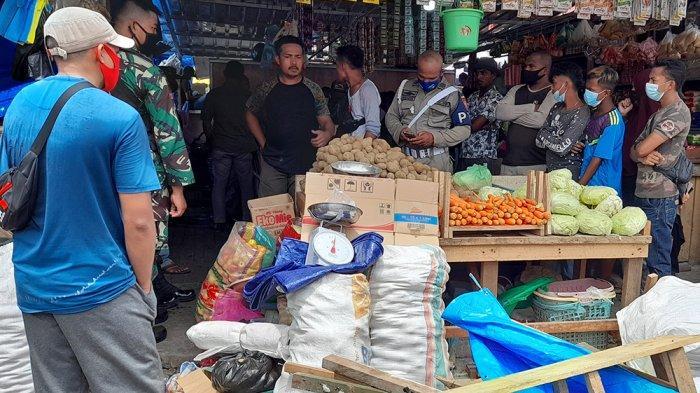 Lapak Dibongkar, Seorang Pedagang di Mardika Ngamuk