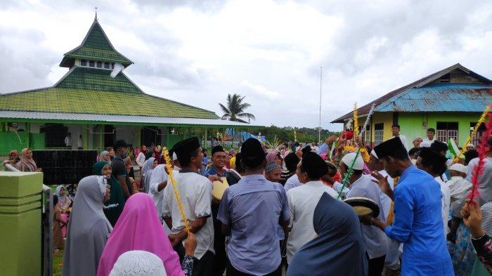 Tradisi Iring-iringan Hewan Kurban, Hadrat di Ama Iha Ulupalu-Maluku