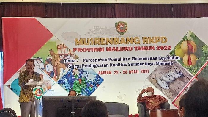 AMBON: Bupati Kabupaten Seram Bagian Barat (SBB), Moh Yasin Payapo, Kamis (22/4/2021).
