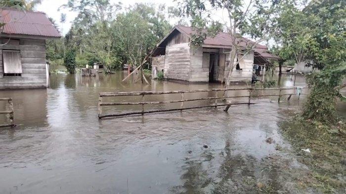 Jadi Kawasan Langganan Banjir, Camat Amahai-Maluku Tengah Minta Perhatian Balai Sungai dan Jembatan