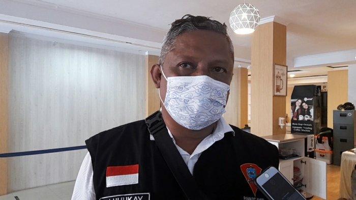 OPERASI YUSTISI - Kepala Koordinator Fasilitas Umum Tim Pengendali PSBB Kota Ambon Richard Luhukay, saat memberikan keterangan kepada Wartawan di Balai Kota Ambon Senin, (25/1/2021).