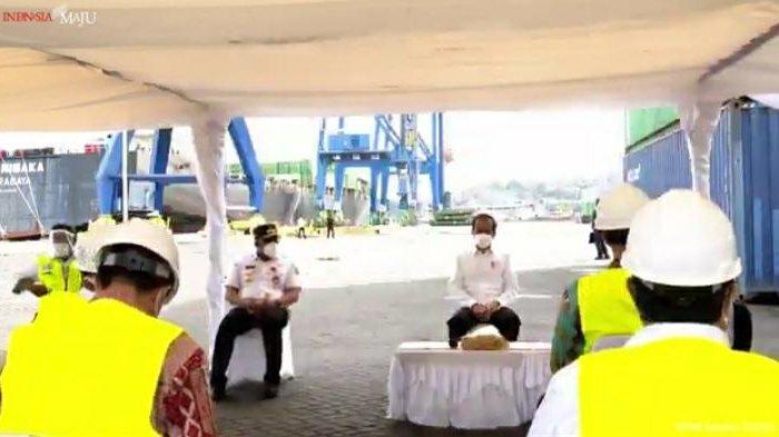 AMBON: Jokowi meninjau pelaksanaan vaksinasi covid-19 dan mengecek Pelabuhan Yosudarso, Kelurahan Honipopu, Kecamatan Sirimau, Kota Ambon, Kamis (25/3/2021) pagi.