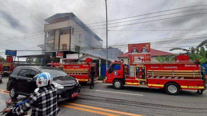Enam Unit Damkar Turun, Kebakaran di Yayasan Pelangi Maluku Berhasil Dipadamkan
