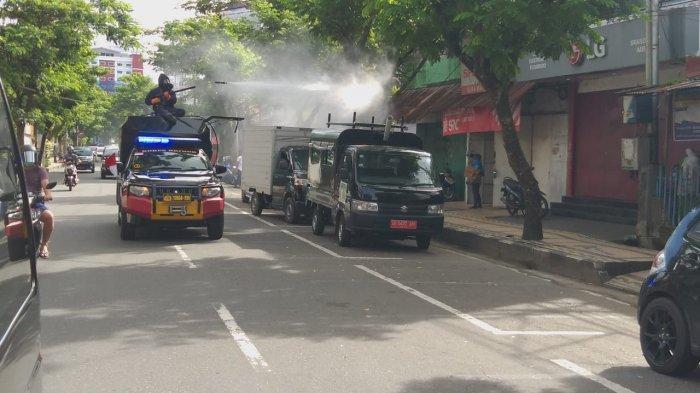 Brimob Maluku Kembali Semprot Disinfektan Sepanjang Jalan Said Perintah dan Jalan Dr. Setia Budi