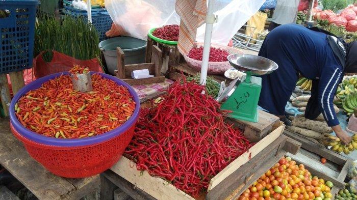 Harga Jenis Cabai Ini Anjlok di Pasar Mardika Ambon