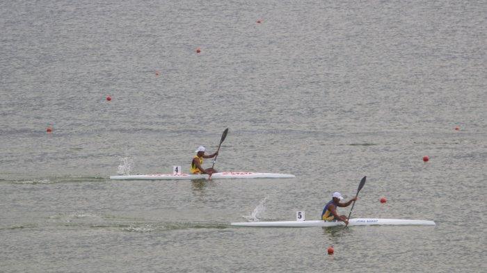 Erwin Tamaela Pastikan Langkah ke Final Kayak PON XX