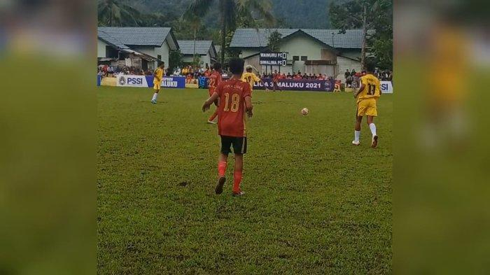 MALUKU: Pertandingan digelar di lapangan Kompi A Waiheru, Kota Ambon, Senin (27/9/2021) sore.