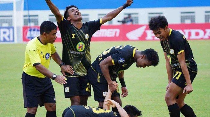 Buyung Lessy Bawa Barito Menang Kontra PSM Makassar pada Laga Debutnya