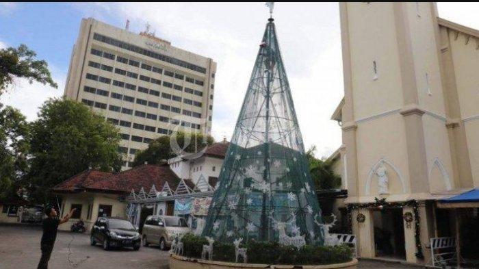 BREAKING NEWS Bom Meledak di Depan Gereja Katedral Makassar
