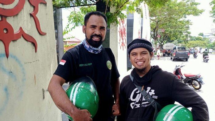 AMBON: Ketua Komunitas ALTA, Gazali Latukau (kiri) bersama Disman, saat di temui di Taman Pahlawan Nasional Maluku, Senin (29/3/2021)