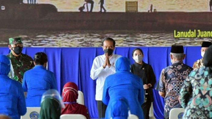 Di Hadapan Keluarga 53 Awak Kapal KRI Nanggala-402, Jokowi Sampaikan Dukacita