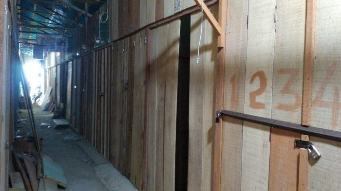 Sebulan Direlokasi ke Pasar Apung, Ratusan Lapak Masih Tutup karena Belum Ada Aliran Listrik