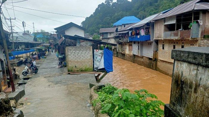 Curah Hujan Tinggi, Louhenapessy Minta Orang Tua Awasi Anak Saat Bermain