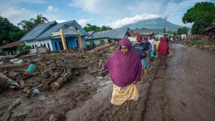 Kemensos Salurkan Bantuan Rp 3,9 Miliar untuk Korban Banjir NTB dan NTT