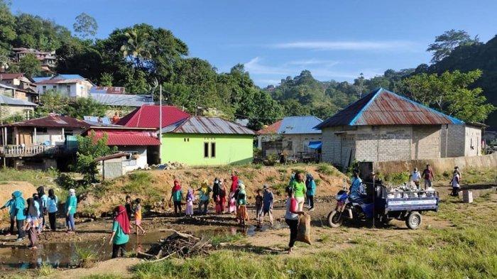 Jelang Hari Peduli Sampah Nasional, Warga Kota Ambon Serempak Bersihkan Lingkungan