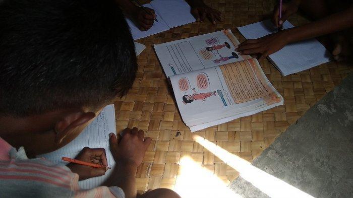 Kebijakan Nadiem Makarim: Dana BOS Boleh Dipakai Beli Kuota Internet untuk Pembelajaran Daring