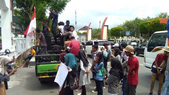 Sebut Banyak Kasus Korupsi di Kabupaten Aru, Mahasiswa Demo Kejati Maluku: Demi Keadilan