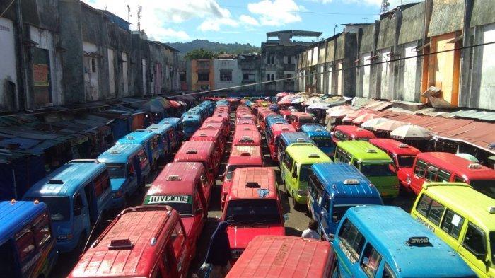 Update Virus Corona Ambon: Omset Pedagang Pasar Mardika dan Pengemudi Angkot Anjlok