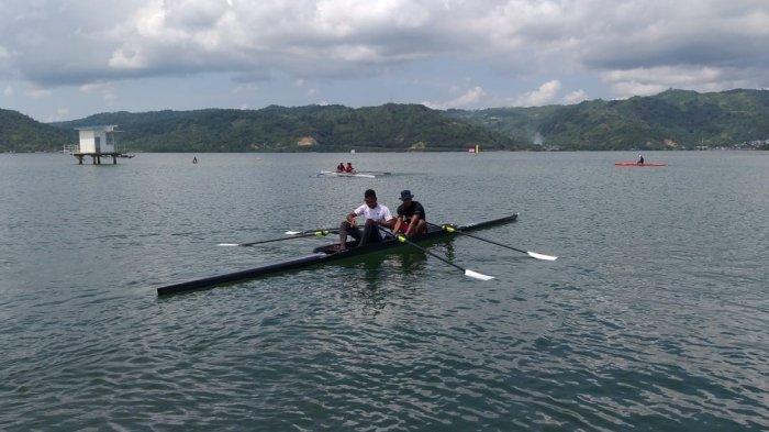 Jelang Tanding 27 September, Atlet Dayung Maluku Rutin Latihan di Pantai Holtekamp-Jayapura