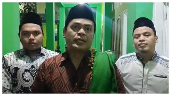 Azun Mauzun Pengurus Pondok Pesantren Al-Quraniyah