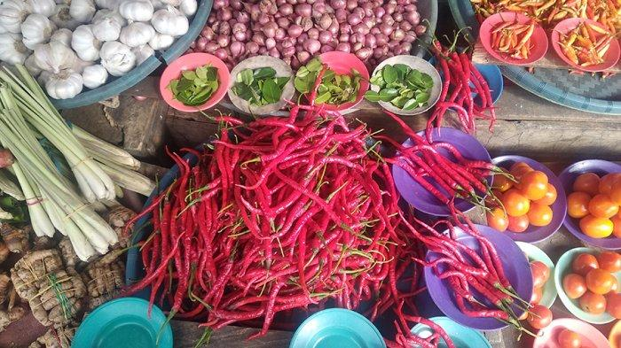 Biasanya Naik, Kini Harga Bahan Dapur di Pasar Tradisional Kota Ambon Turun Jelang Ramadhan