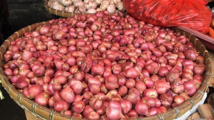 Jelang Ramadhan, Stok Bawang dan Telur Ayam di Masohi Aman