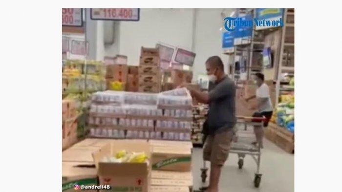 Viral Video Panic Buying Pembeli Berebut Susu Beruang, Sosiolog: Membeli karena Ikut-ikutan