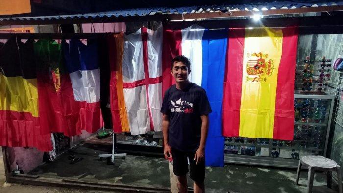 Euforia Euro 2020: Pedagang Kacamata Jual Bendera Negara Peserta