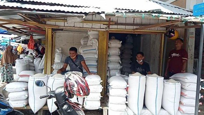 Harga Beras di Pasar Namlea Stabil Rp 10 Ribu Per Kilo, Pedagang; Semoga Tidak Ada Perubahan Harga