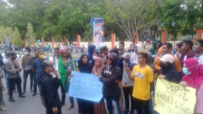 Demo Kelangkaan BBM di Pulau-pulau Kur - Kota Tual, Mahasiswa; Sudah Setahun