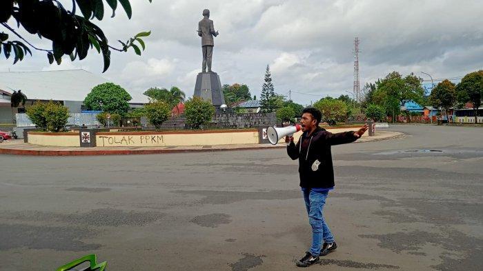 Lagi, Demo Tolak PPKM Jilid IV, Mahasiswa Unpatti Mulai Orasi di Bundaran Leimena - Ambon
