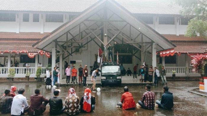 Soal Kenaikan Tarif Angkot di Ambon, Pendemo; DPRD Akan Teruskan ke Wali Kota