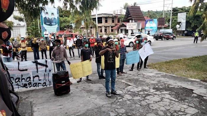 Aksi Pemuda Seram Selatan Berlanjut ke Masohi, Desak Kepala PLN Dicopot