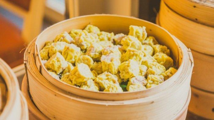 Cara Membuat Dimsum Ayam Udang dan Siomay, Lengkap dengan Resep Saus Asam Pedas