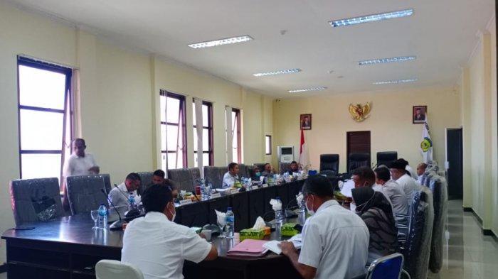 Penetapan 14 Ranperda Tunggu Sekda Kabupaten Buru