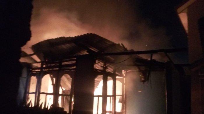 BREAKING NEWS : Empat Rumah Ludes Terbakar di Batu Gantung Dalam