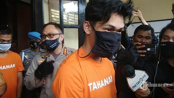 VIRAL Video Ferdian Paleka Dibully di Penjara, Disuruh Masuk Tong Sampah hanya Kenakan Celana Dalam