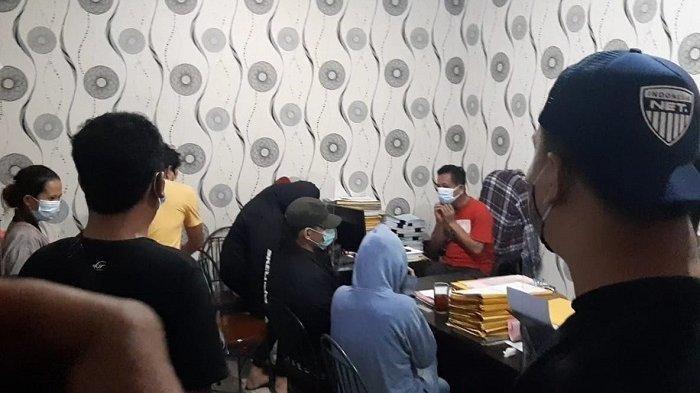 Foto Artis ST dan MA saat Diciduk Polisi di Hotel Bintang Lima Diduga Terlibat Prostitusi Online