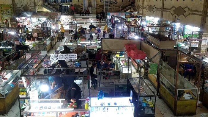 Belum Ada Nomor Undian, Pedagang Pasar Mardika Protes Saat Diminta Tinggalkan Lapak