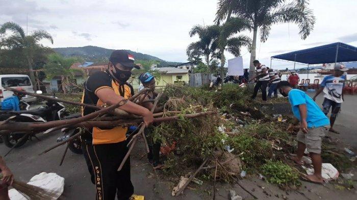 Buka Gerakan Bersih Pantai Di Talake, Sekot Minta Warga Tidak Buang Sampah ke Laut