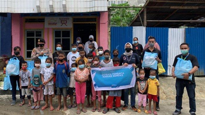Lewat Gramedia, Pembaca Harian Kompas Berikan Sembako untuk Para Anak di Ambon