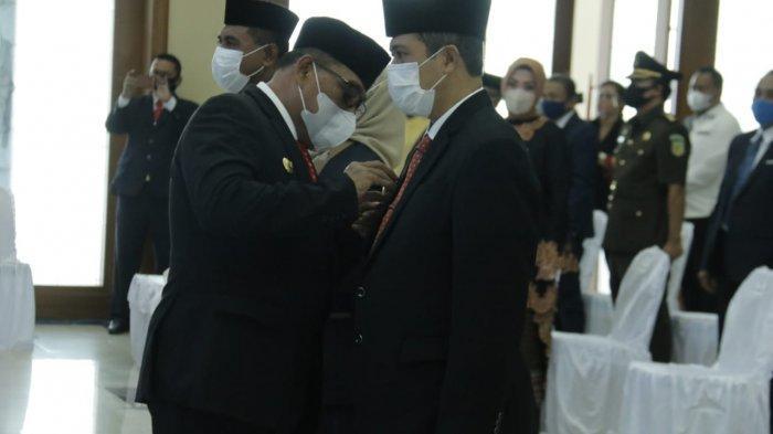 Gubernur Maluku, Murad Ismail kukuhkan tiga PJS Bupati peserta Pilkada, yakni Maluku Barat Daya, Kepulauan Aru dan Seram Bagian Timur. Foto : Humas Pemprov Maluku