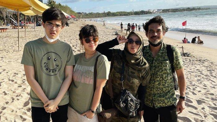 Teddy Syach Jalani Ramadhan Pertama Tanpa Rina Gunawan